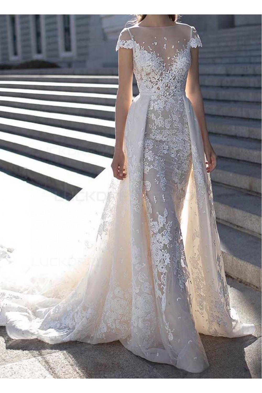 Sheath/Column Bateau Short Sleeve Lace Wedding Dress