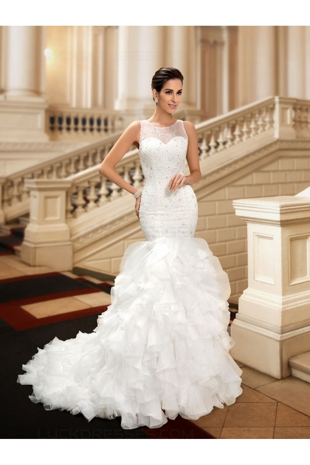 Trumpet/Mermaid Scoop Sleeveless Organza Wedding Dress