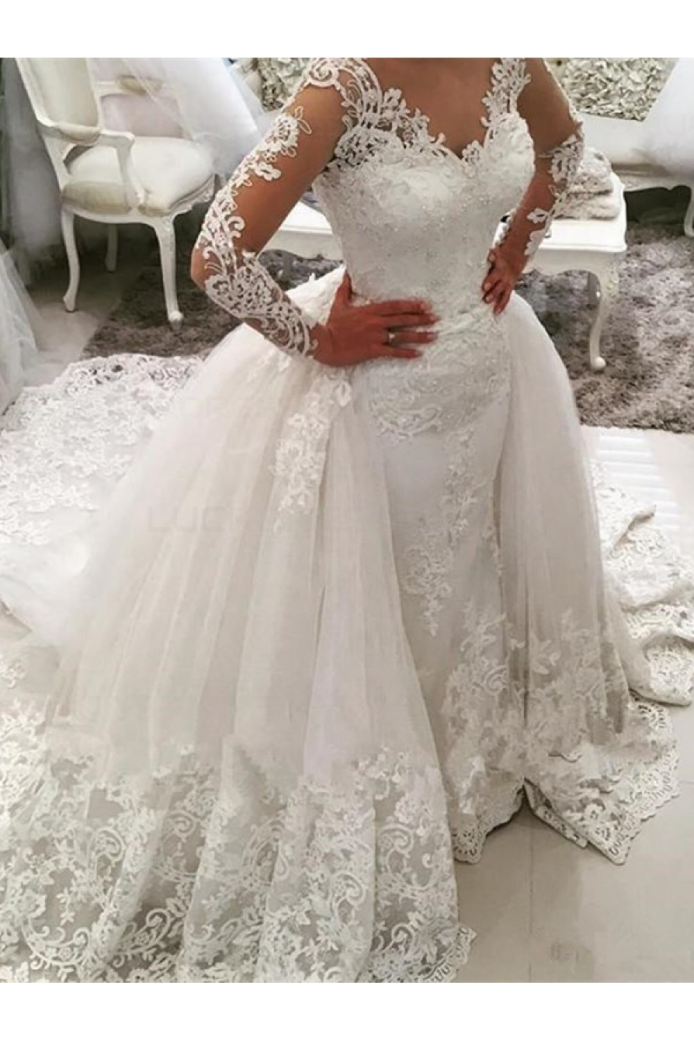 Ball Gown V-neck Long Sleeve Lace Wedding Dress