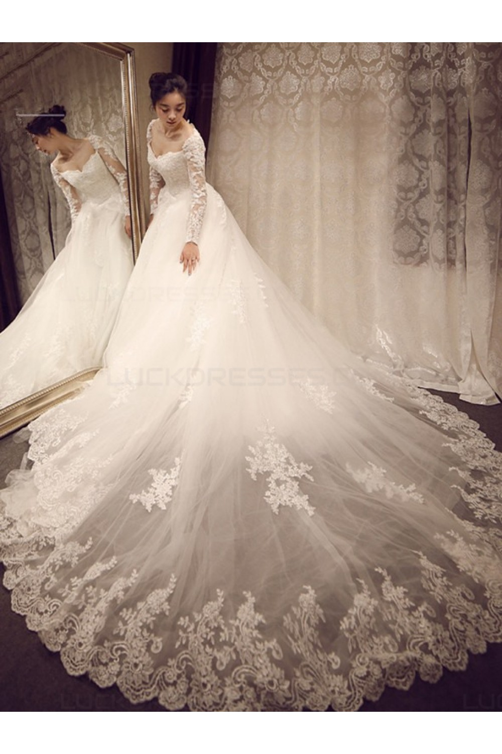 Ball Gown Sweetheart Long Sleeve Lace Wedding Dress