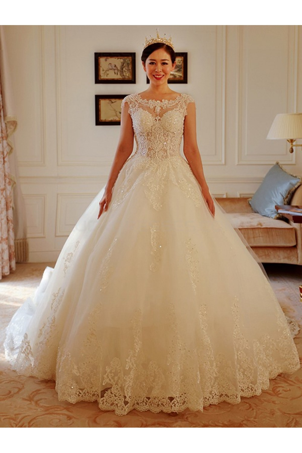 Ball Gown Scalloped-Edge Sleeveless Lace Wedding Dress