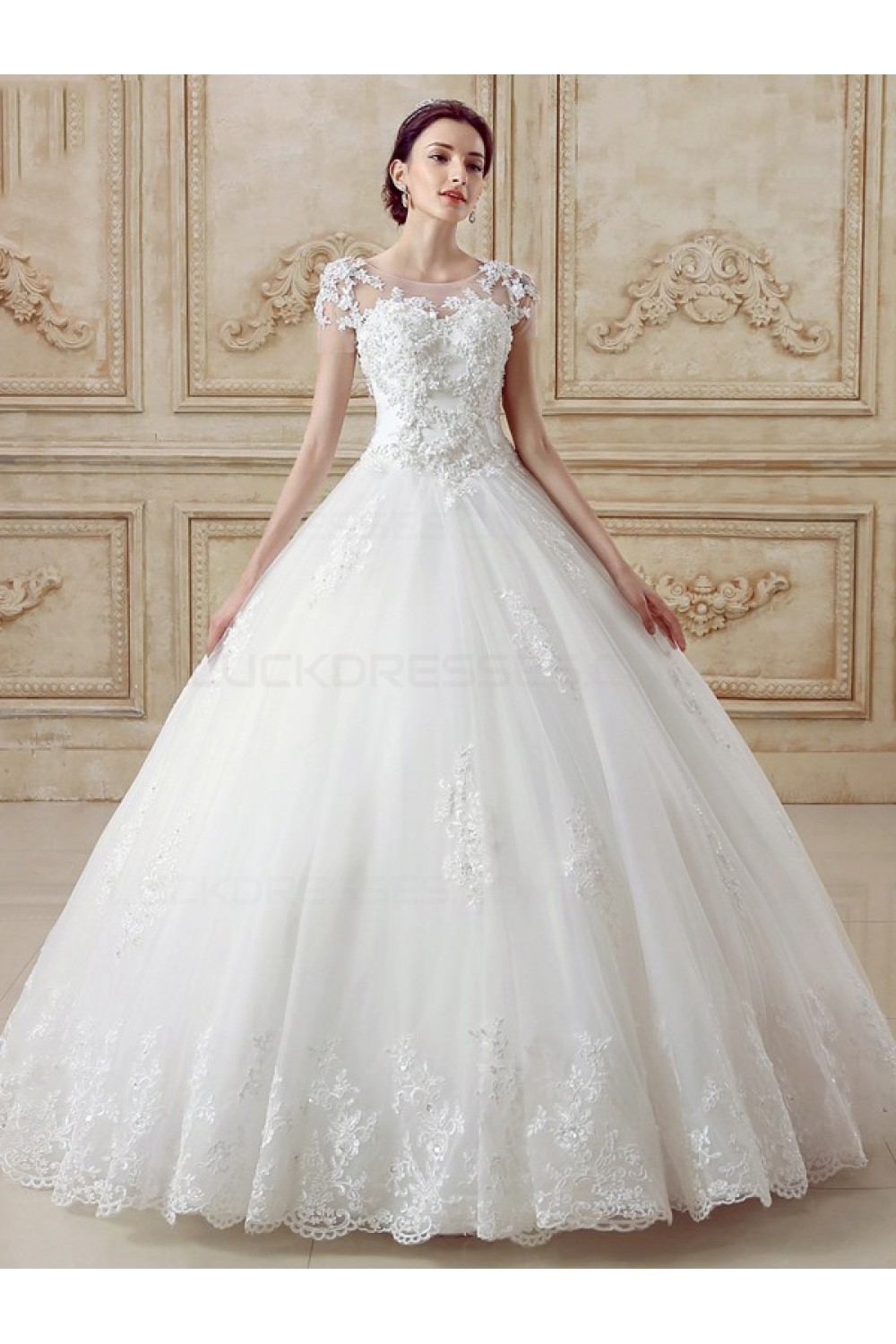 Ball Gown Scoop Short Sleeve Lace Wedding Dress