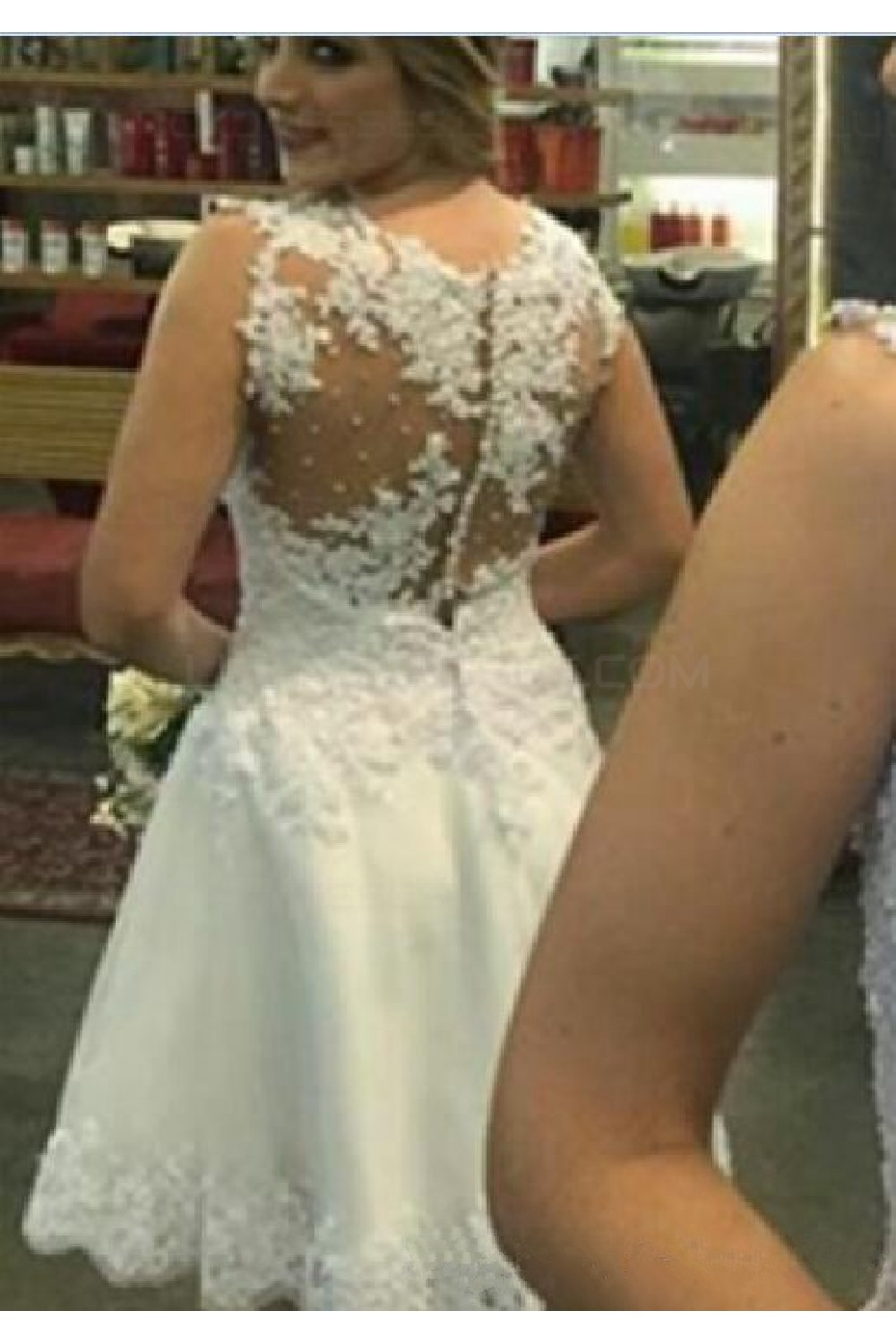 A-line Scoop Sleeveless Lace Wedding Dress