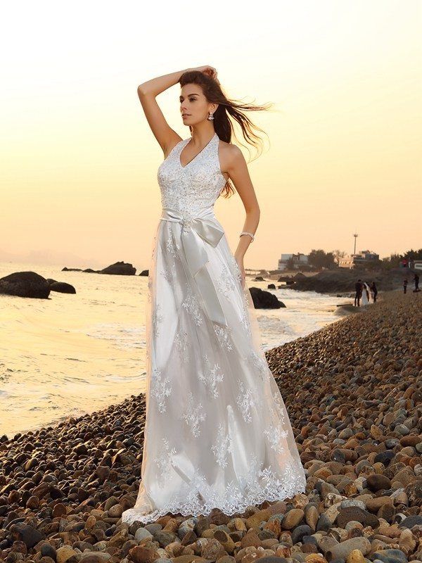 A-line Halter Sleeveless Lace Wedding Dress