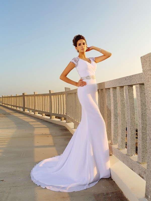 Sheath/Column V-neck Short Sleeve Chiffon Wedding Dress
