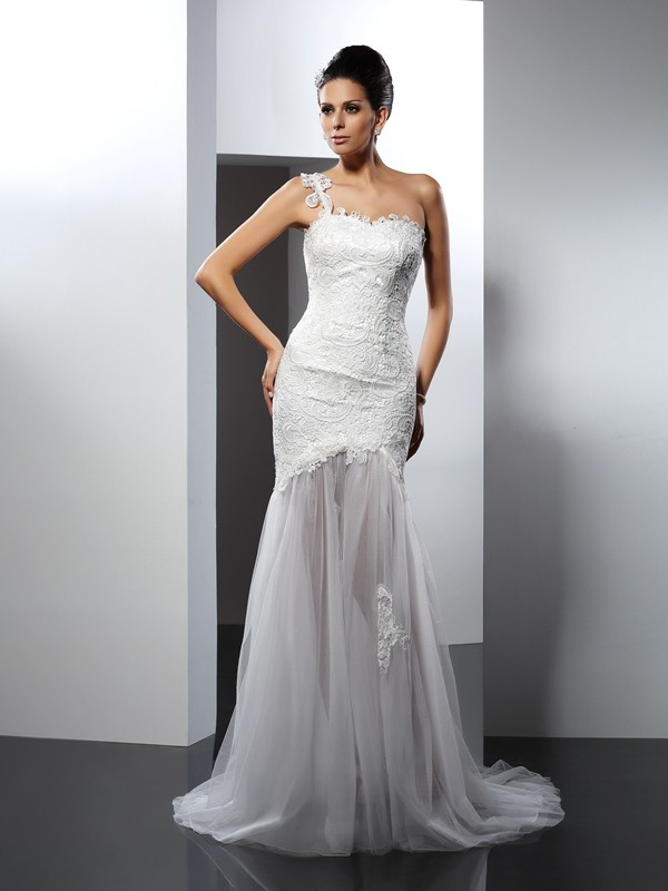Trumpet/Mermaid One Shoulder Sleeveless Lace Wedding Dress