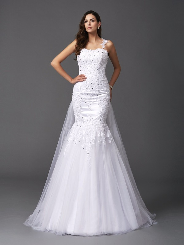 Trumpet/Mermaid Square Sleeveless Tulle Wedding Dress