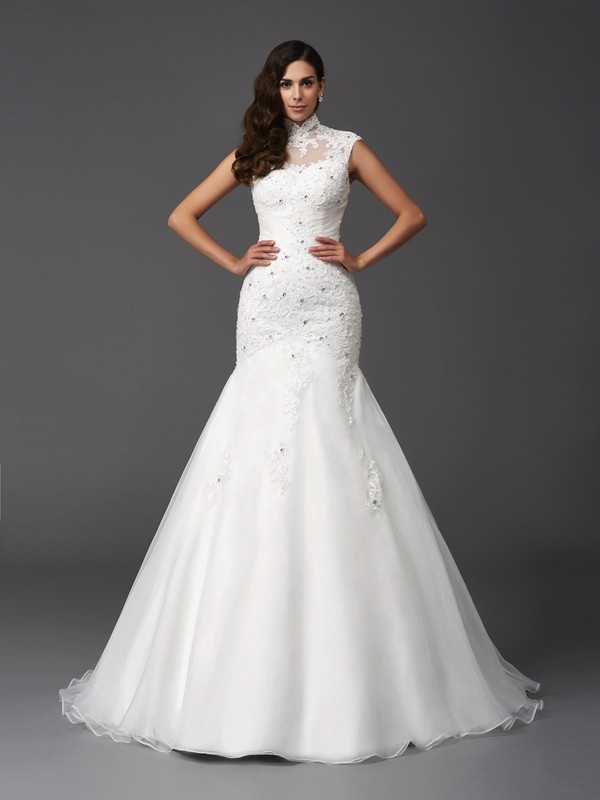 Trumpet/Mermaid High Neck Sleeveless Organza Wedding Dress