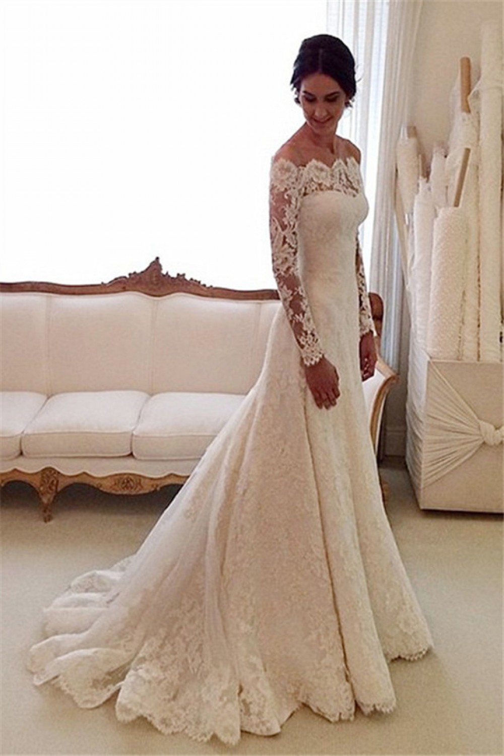 Trumpet/Mermaid Scalloped-Edge Long Sleeve Lace Wedding Dress
