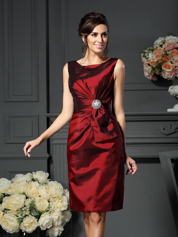 Sheath/Column Scoop Sleeveless Taffeta Mother of the Bride Dress