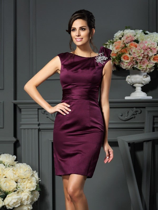 Sheath/Column Scoop Sleeveless Satin Mother of the Bride Dress