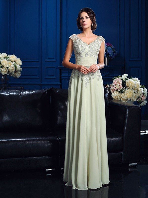 A-line V-neck Sleeveless Chiffon Mother of the Bride Dress