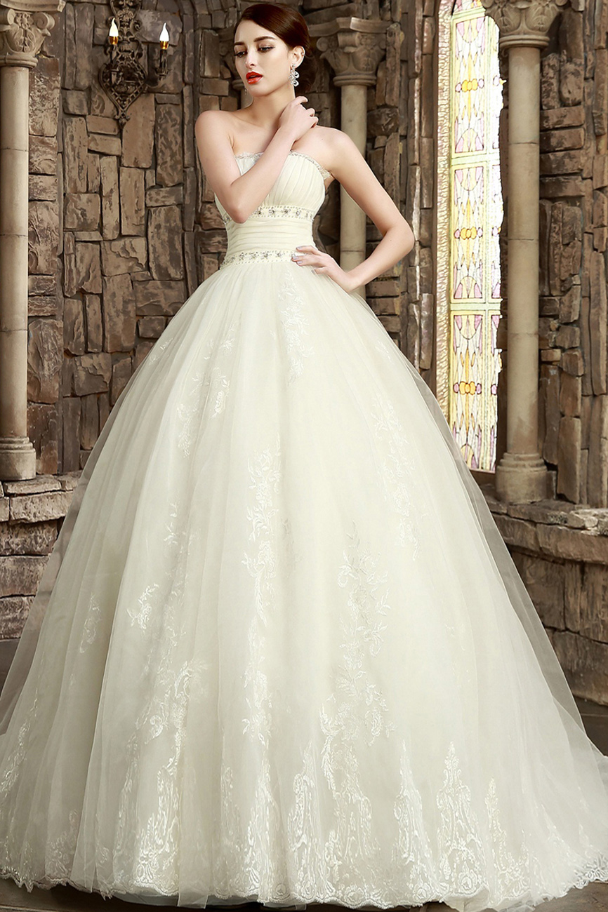 Ball Gown Scalloped-Edge Sweep/Brush Train Lace Wedding Dress