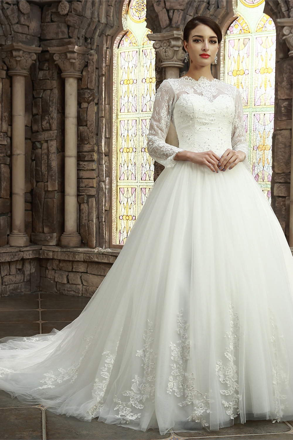 A-line Scalloped-Edge Court Train Lace Wedding Dress