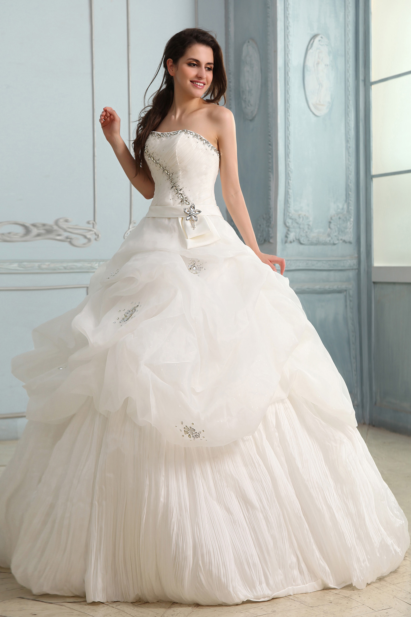 Ball Gown Strapless Sweep/Brush Train Organza Wedding Dress