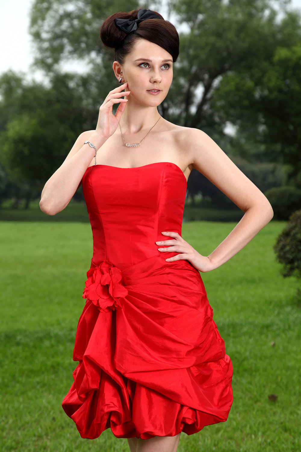 A-line Strapless Knee-length Chiffon Prom Dress