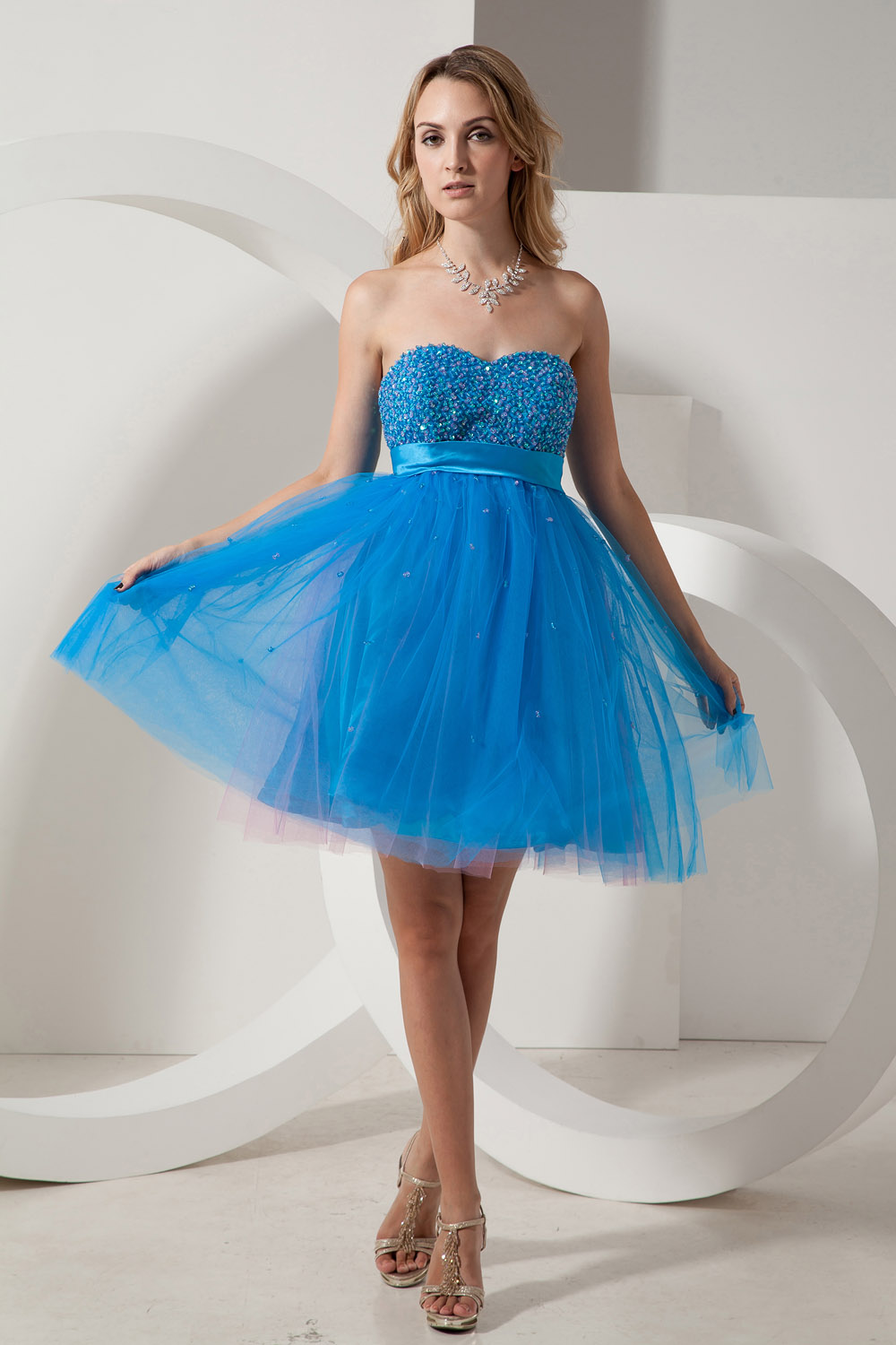 A-line Spaghetti Straps Knee-length Organza Homecoming Dress