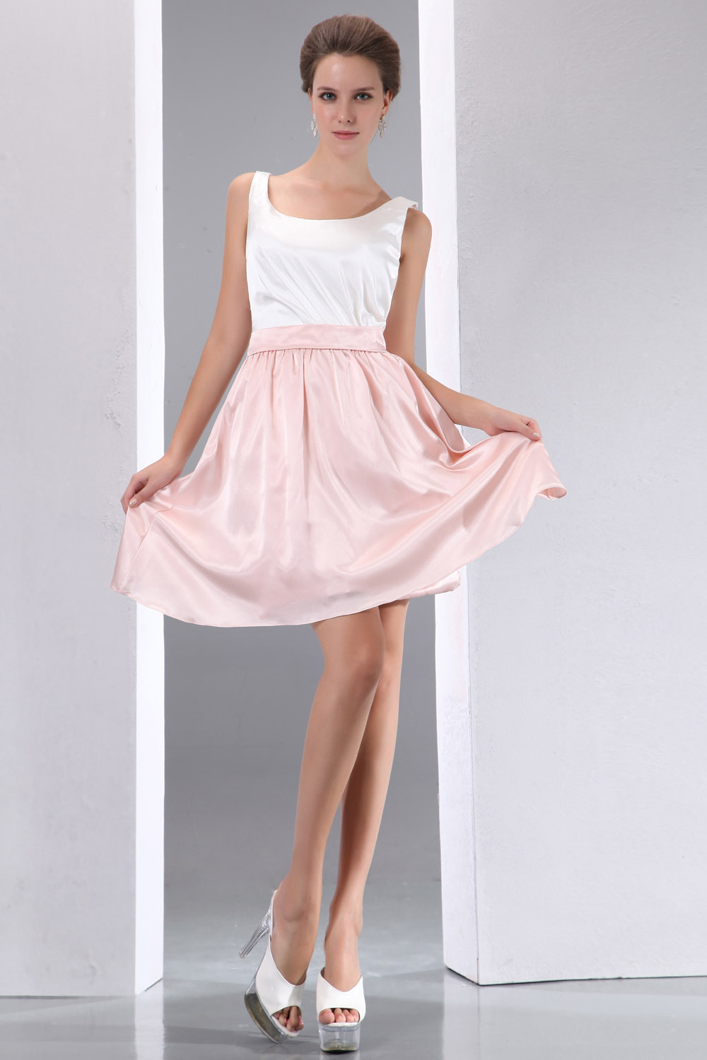 A-line Strapless Knee-length Chiffon Holiday Dress