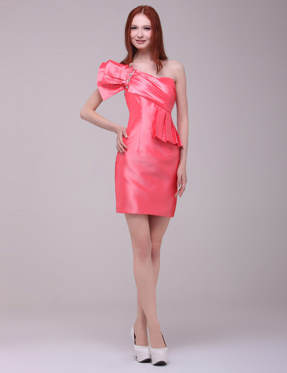 Sheath/Column Strapless Short/Mini Satin Graduation Dress