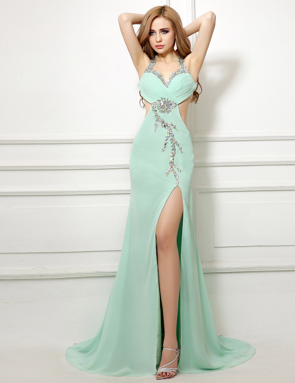 Sheath/Column Halter Floor-length Chiffon Prom Dress